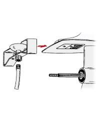 Rince moteur B le lavage des moteurs hors-bord avec prise d'eau sous la plaque anti-cavitation